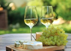 Πέμπτη 19 Φεβρουαρίου στις 9μμ:τυριά, ντελικατέσσεν και κρασιά της χώρας μας